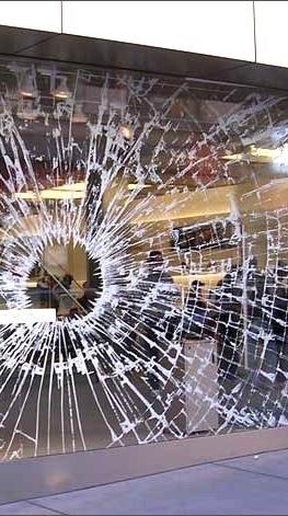 Vetraio per sostituzione vetri e vetrine installazione doppi vetri gattaiole specchi su - Sostituzione finestre milano ...